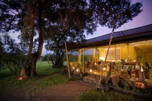 Kicheche Mara Camp at Night